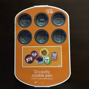 Wilton Halloween 12-cavity Cookie Pan NWT